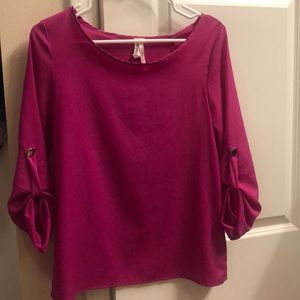 Tops - Fuschia polyester top.